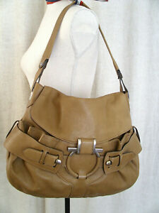 Salvatore Ferragamo Women's Tan Leather Shoulder Bag Purse Gancini Authentic