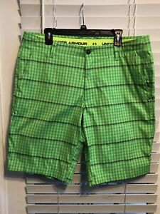 UNDER AMOUR Golf Shorts Men's Size 38 Green Plaid Flat Front Polyester Stretch