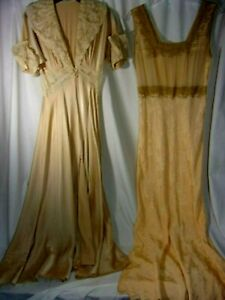 Antique 1940S Peach Satin and Lace Pegnoir Set Old Hollywood ( S) VGC MS