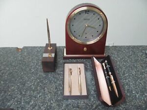 19404 DESK CLOCK PEN HOLDER AND SET OF PENS