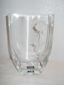 MIKASA ENDLESS LOVE 10 CRYSTAL VASE WITH 3D FROSTED ROSE EXCELLENT