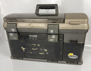 Plano 777 Pro Fishing Plano Guide Slide Out Spinner Bait Tackle Box Black