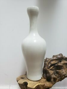 Chinese Old White Crackle Glaze Porcelain Vase $183.00