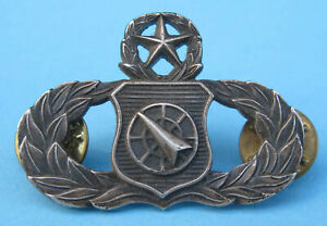 ANTIQUE MILITARY ARMED FORCES UNITED STATES ORIGINAL BADGE PIN $112.50