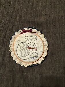 Finished Antique Thread Weaving Cat Embroidery Piece In Wooden Ring $10.00