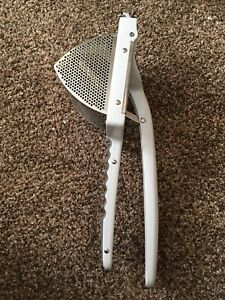 Williams Sonoma Large Stainless Steel Potato Masher, Ricer - Excellent Condition