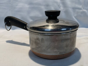 5.75 INCH REVERE WARE 1 1/2 QUART SAUCE PAN WITH COPPER BOTTOM WITH LID