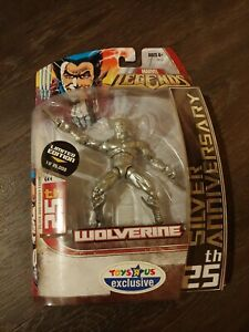 2006 Marvel Legends Toysrus Exclusive Wolverine 25th Anniversary Silver New $20.00