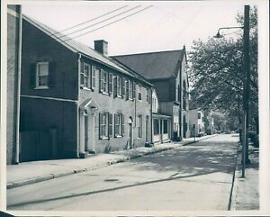 1949 Photo Quaint House Ancient Brick Annapolis Providence 5x7 Vintage Image