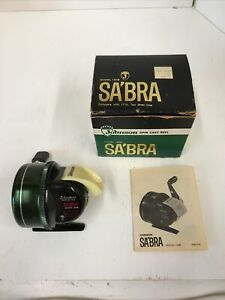 * Vintage Johnson Sabra 130B Spincast Reel With Boxowners ManualWorks Great $74.95