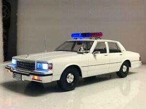 1 18 Plain White Unmarked Chevy Caprice Police WORKING LIGHTS CHP lapd Nypd OPP $229.97