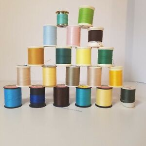 Lot of 20 Vintage Thread Spools Plastic Sewing Supplies Spools with Thread $15.16