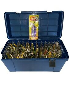 LARGE LOT OF MUSKY LURES