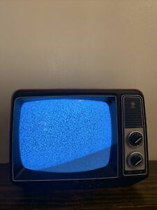 General Electric GE Performance Portable TV Television 12XB9104T Red 11.5 70's $125.00