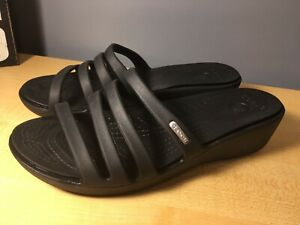 Crocs Patricia Womens Rubber Strappy Wedge Sandals Slides Size 7 Solid Black