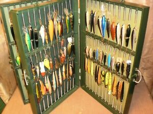 Vintage Wille Bait File Tackle Box w 99 Collectible Lures