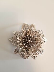 VINTAGE SIGNED ART SILVER TONE POINSETTIA FLOWER BROOCH PIN $9.99