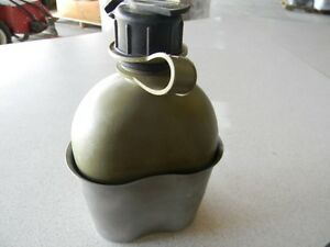 VINTAGE U.S. 1985 ARMY GREEN WATER CANTEEN-ZARN With SS Metal holder