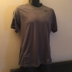NIKEPRO FITTED - DRY FIT  MEN T-SHIRT SIZE M 84% POLYESTER 16% SPANDEX