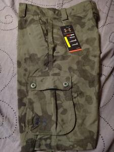 UNDER ARMOUR HEATGEAR GOLF SHORTS CAMO CARGO BOYS S M L XL NWT $44.99