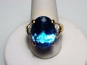 Charming Blue Topaz Solid 14-kt Gold Ring Attractive Great Value (#2447)