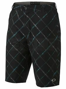 OAKLEY SCOTTS Golf Plaid Flat Front Shorts 441724 JET BLACK AQUA