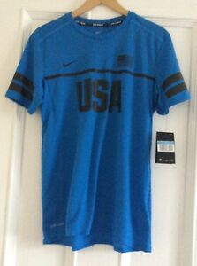 Mens Nike DRY Running Dri Fit USA Shirt Size Small