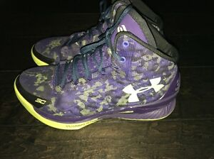 Boys  Steph Curry Dark Matter Under Armour Size 5.5Y