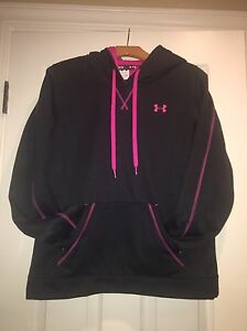 UNDER ARMOUR Women's Hooded Sweatshirt Med Black w Pink Stitching NWOT