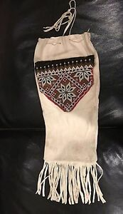 BEAUTIFUL NATIVE STYLE SOFT BUCKSKIN BEADED PIPE FLUTE POSSIBLES BAG WITH FRINGE