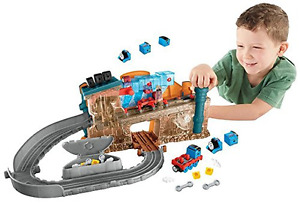 Fisher-Price Take-n-Play TRAIN MAKER SET THOMAS THE TRAIN Engine Maker PLAYSET