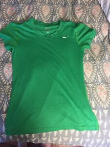 NIKE DRY FIT WOMEN'S T SHIRT SMALL
