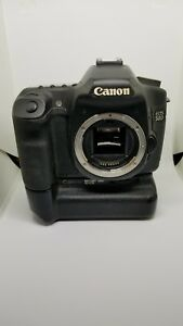 Canon EOS 50D 15.1MP Digital SLR Camera w grip batteries charger and cards