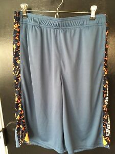 UNDER ARMOUR Boys Shorts-XL NWT! Retail for $27.99!