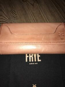 Frye Women's Melissa Tri-Fold Antique Leather Wallet Dusty Rose NWT
