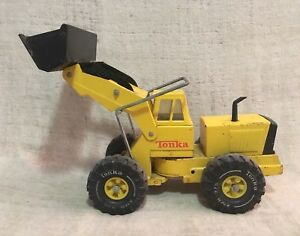 Vintage Tonka Front End Loader XMB-975 Toy Truck Construction Yellow Earth Mover