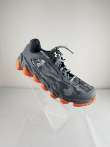 Under Armour Spine camo Active shoes For Youth Size 7Y