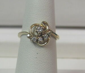 10K Yellow Gold .10 TCW Diamond Free Form Cluster Promisary Ring Size 5.5 W1060