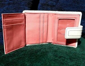 FOSSIL WHITE LEATHER MULTI-POCKET WOMEN'S TRI-FOLD WALLET