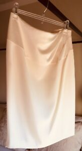 Designer Escada Off White Skirt  size 38 ( US 8 ) Straight With Panel Detail