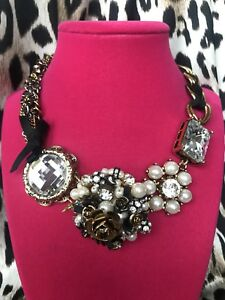 Betsey Johnson Gold Crystal Clear Stone SPARKLYJewel Pearl Rose Bouquet Necklace