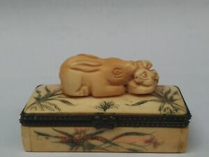 Collection Old China Tibet Hand-carved Lovely Rabbit Jewelry Box Decoration Gift