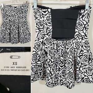 Urban Outfitters Pins And Needles Black White Floral Strapless Peplum Top XS