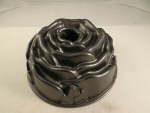 Nordic Ware Rose Flower Bundt Cake Pan 10 C. Made in USA Cast Aluminum Non-Stick