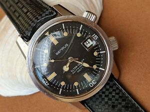 Vintage Benrus Ultra-Deep Super-Compressor Divers Watch wMint DialTropic Strap