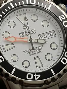 NEW DEEP BLUE PRO SEA DIVER 1000 AUTOMATIC WHITE DIAL BLACKBEZEL.(FREE GIFT)