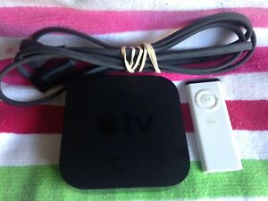 Apple TV (2nd Generation) 8GB Media Streamer A1378 & REMOTE A1156 - TESTED works