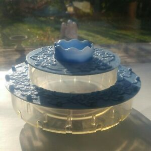 Vintage Plastic Thread amp; Sewing Container $18.00