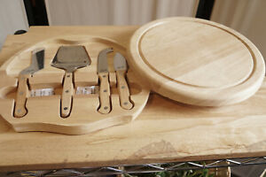 Picnic Time Legacy cheese cutting board hidden set of cheese knives NWOB Round