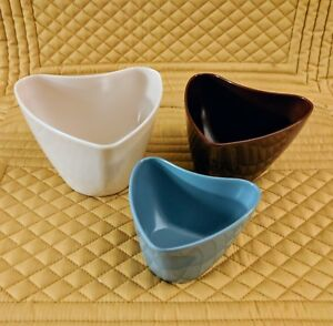 RACHAEL RAY SET OF THREE NESTING HEART SHAPED MELAMINE MEASURING CUPS PREOWNED